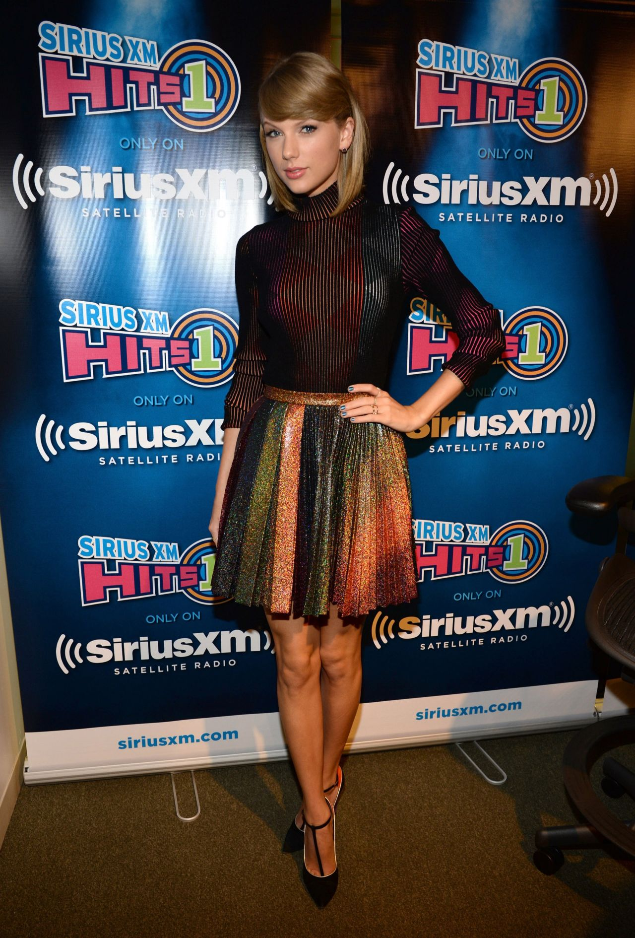 taylor-swift-airs-live-on-siriusxm-hits-1-at-siriusxm-studios-october-2014_2