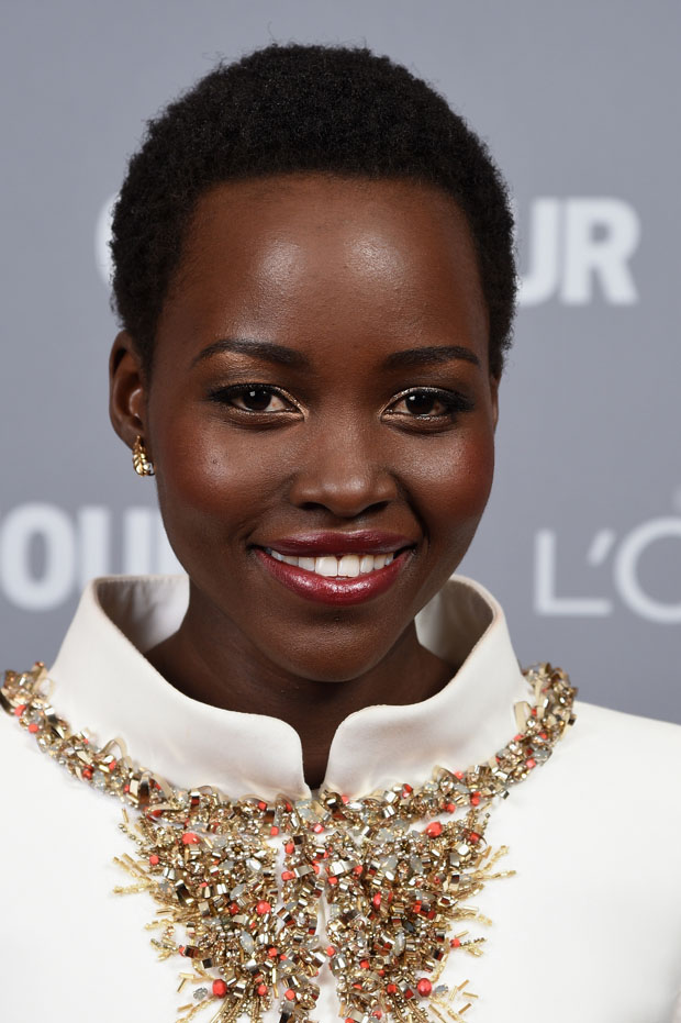 lupita-nyongo-chanel-couture-glamour-women-year-awards/