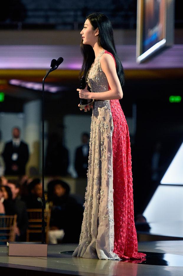 jing-tian-dior-couture-2014-hollywood-film-awards/