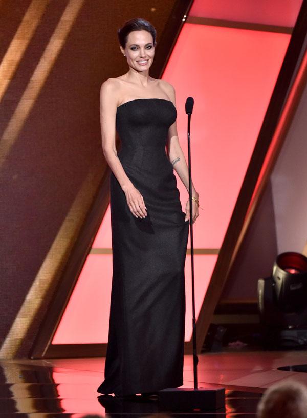angelina-jolie-atelier-versace-2014-hollywood-film-awards =