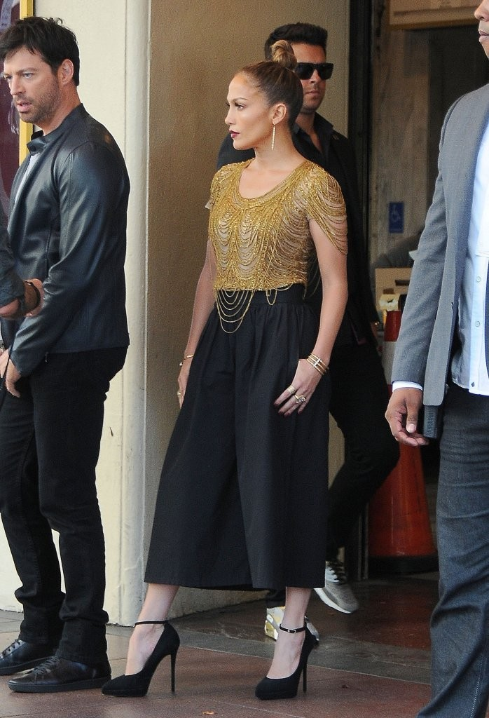 8-Jennifer-Lopezs-American-Idol-Hollywood-Week-Auditions-Naeem-Khan-Gold-Beaded-Top-Alice-Olivia-High-Waisted-Pleated-Gauchos-and-Giuseppe-Zanotti-Ankle-Strap-Platform-Pumps