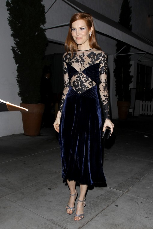 darby-stanchfield-poses-up-at-the-hollywood-foreign-press-association-party