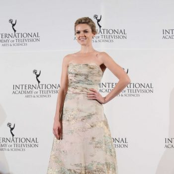 Erin-Richards-2014-International-Academy-Of-Television-Arts-and-Sciences-Emmy-Awards-03-662×908