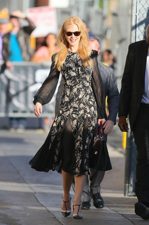 Nicole-Kidman-dress-October-28-'Jimmy-Kimmel-Live'-4