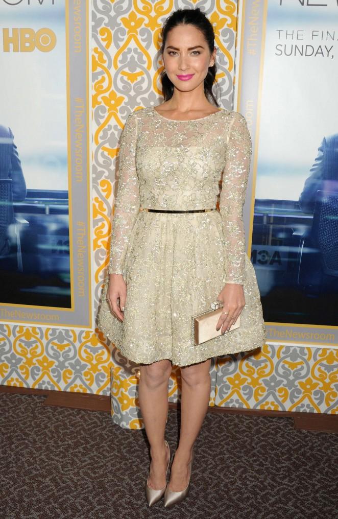 Olivia-Munn-The-Newsroom-Season-3-LA-Premiere-18-662×1016