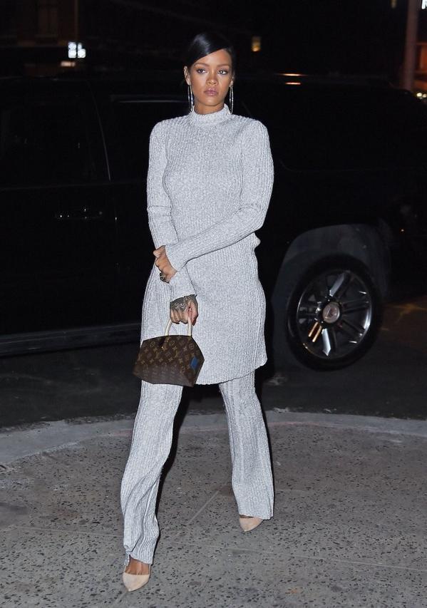 Rihanna-Dines-At-Nobu-In-NYC-2