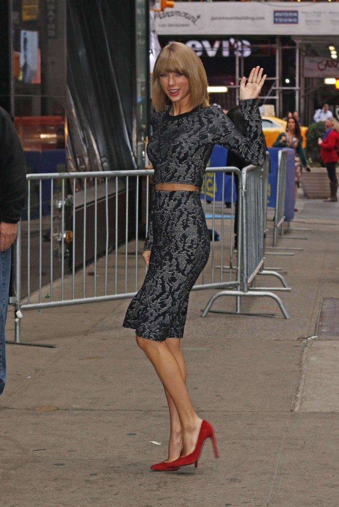 Taylor-Swift-at-Good-Morning-America-