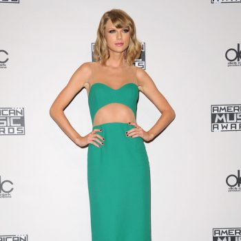 Taylor-Swift-en-robe-verte-Michael-Kors-lors-de-la-42eme-ceremonie-des-American-Music-Awards-a-Los-Angeles-le-23-novembre-2014_exact1024x768_p