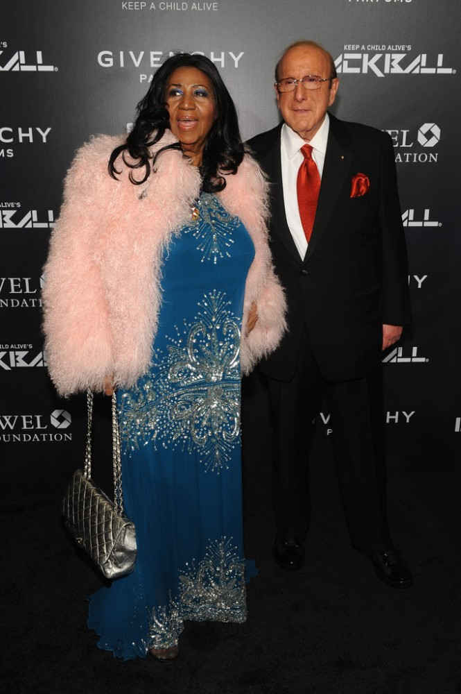 The-2014-Keep-a-Child-Alive-Black-Ball-aretha-franklin-clive-davis-red-carpet