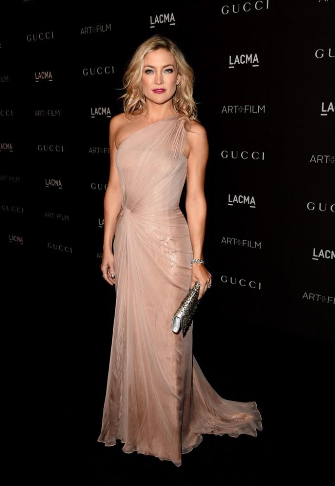 The-2014-LACMA-Awards-kate-hudson-red-carpet