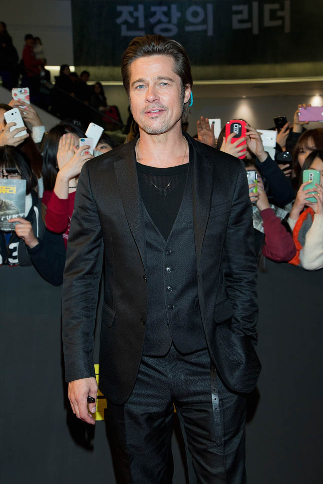 /Brad-Pitt-in-South-Korea-for-Fury