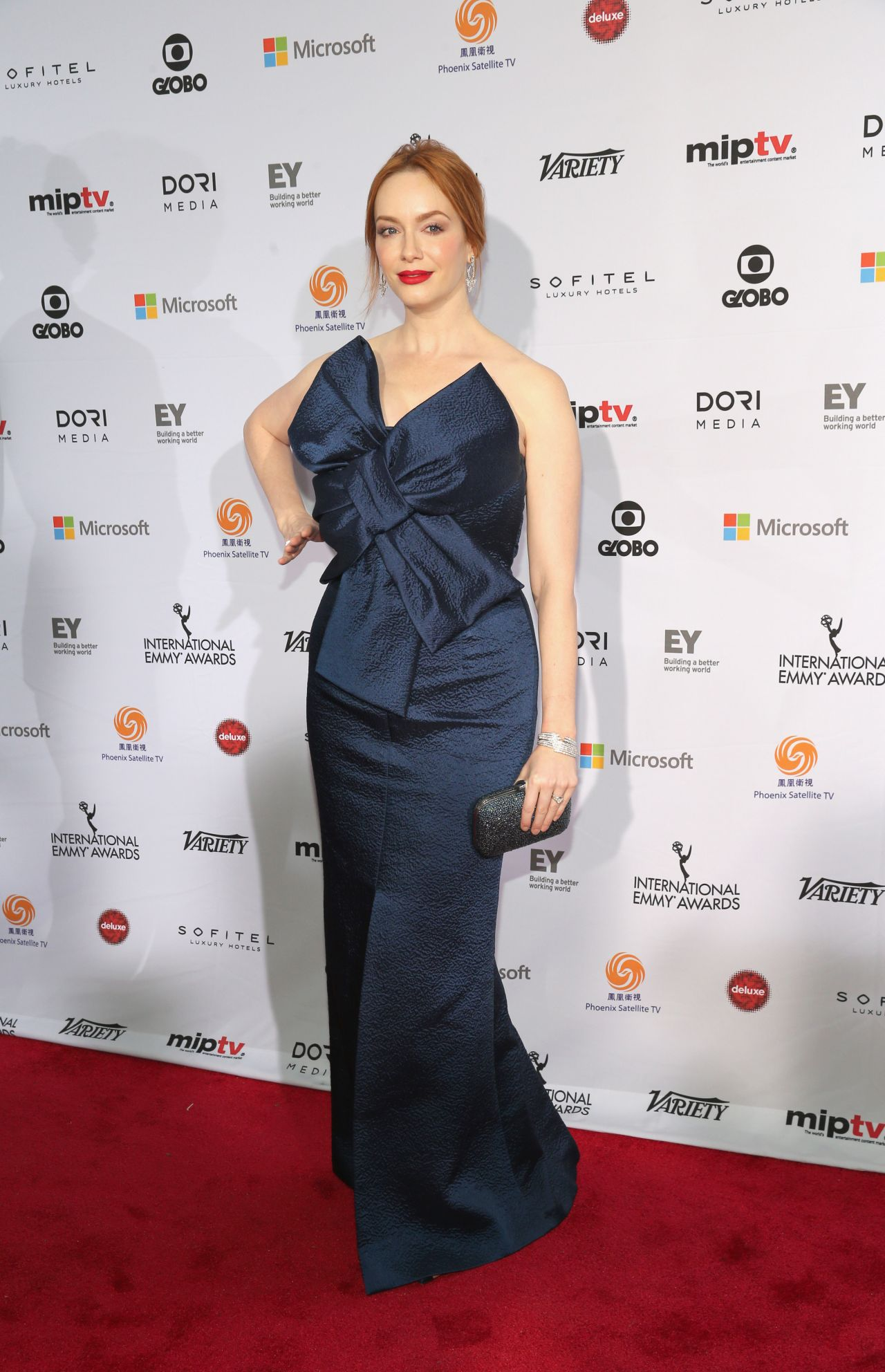 christina-hendricks-2014-international-academy-of-television-arts-sciences-emmy-awards-in-new-york-city_4