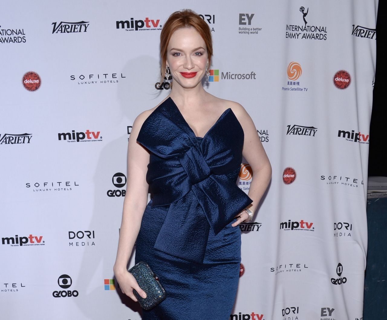 christina-hendricks-2014-international-academy-of-television-arts-sciences-emmy-awards-in-new-york-city_6