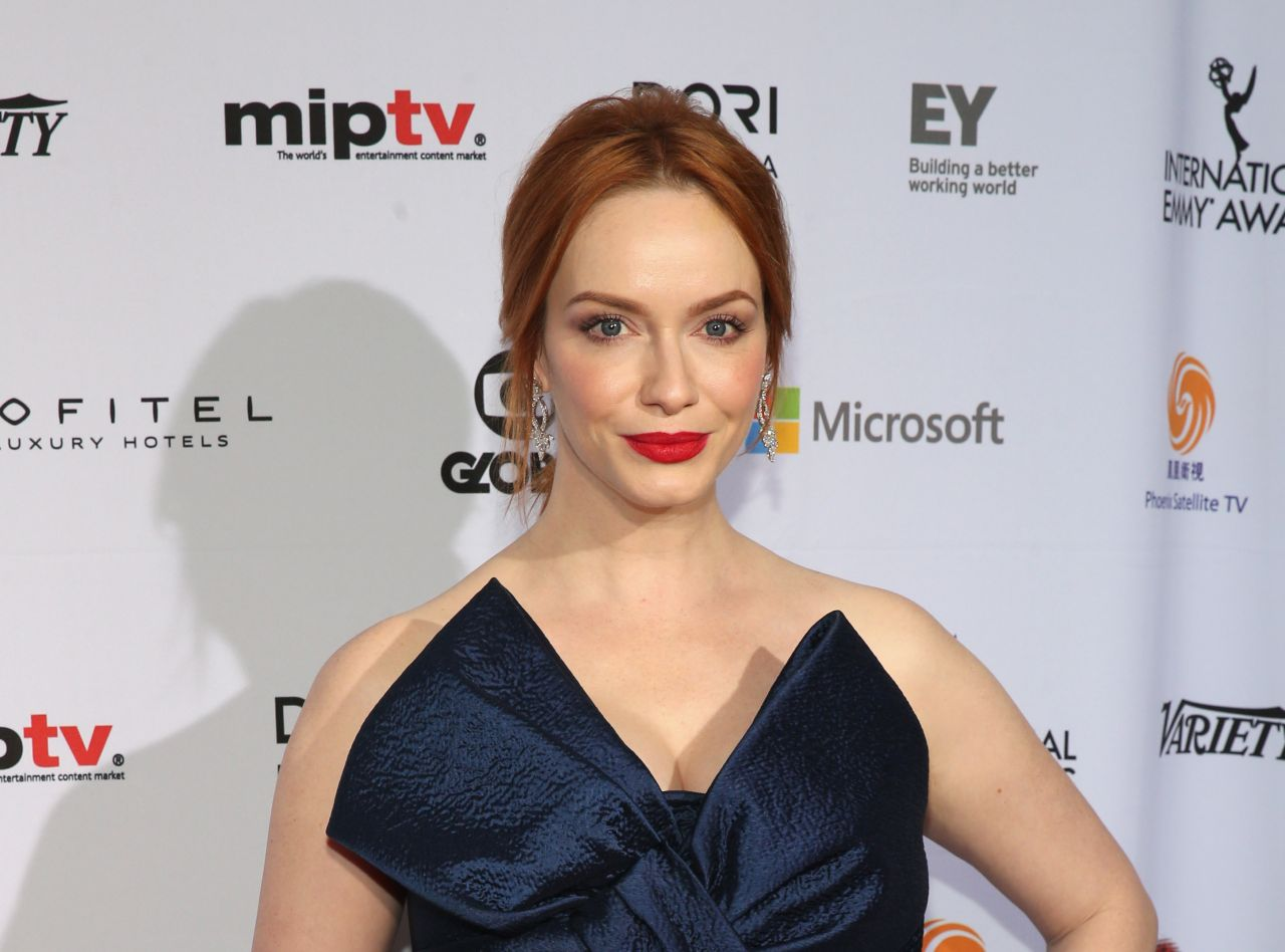 christina-hendricks-2014-international-academy-of-television-arts-sciences-emmy-awards-in-new-york-city_7
