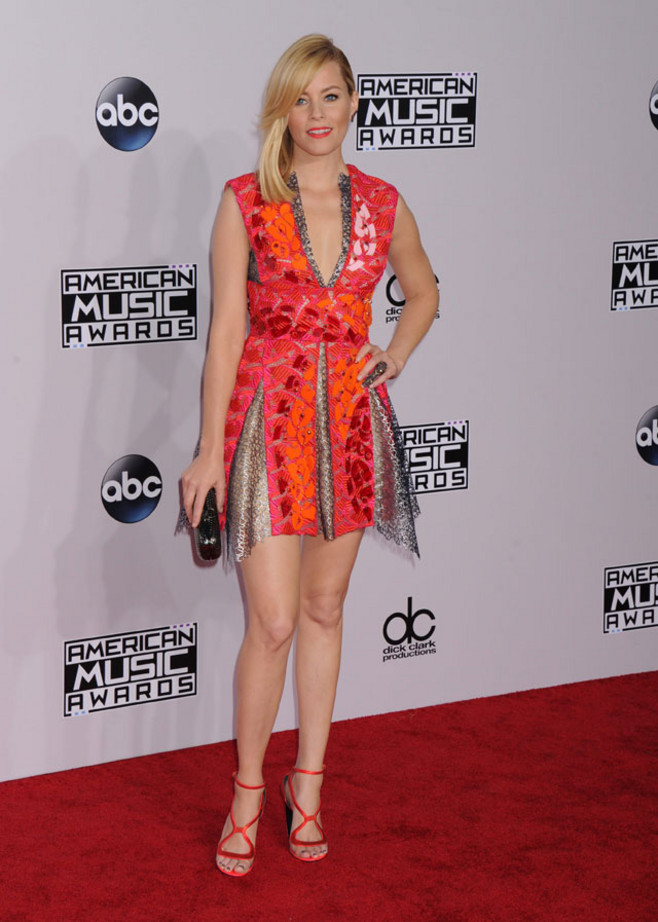 elizabeth-banks-peter-pilotto-2014-american-music-awards/