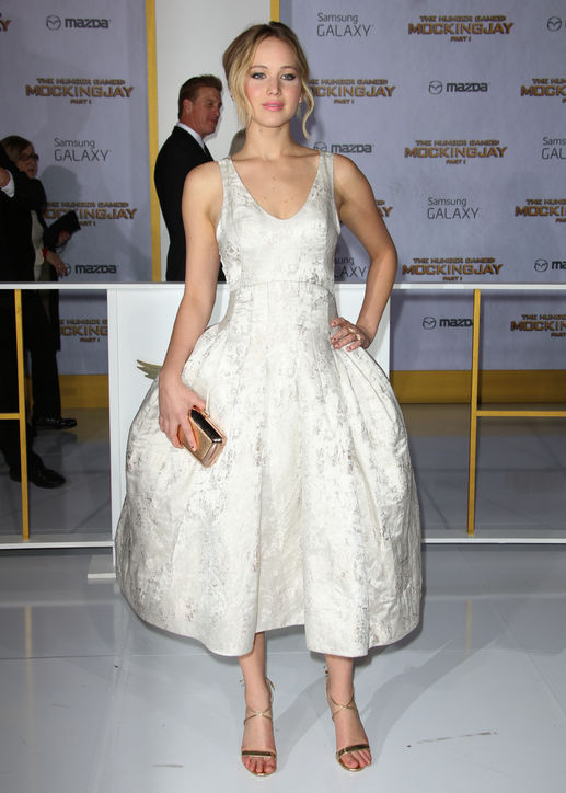 jennifer-lawrence-christian-dior-couture-hunger-games-mockingjay-part-1-la-premiere/