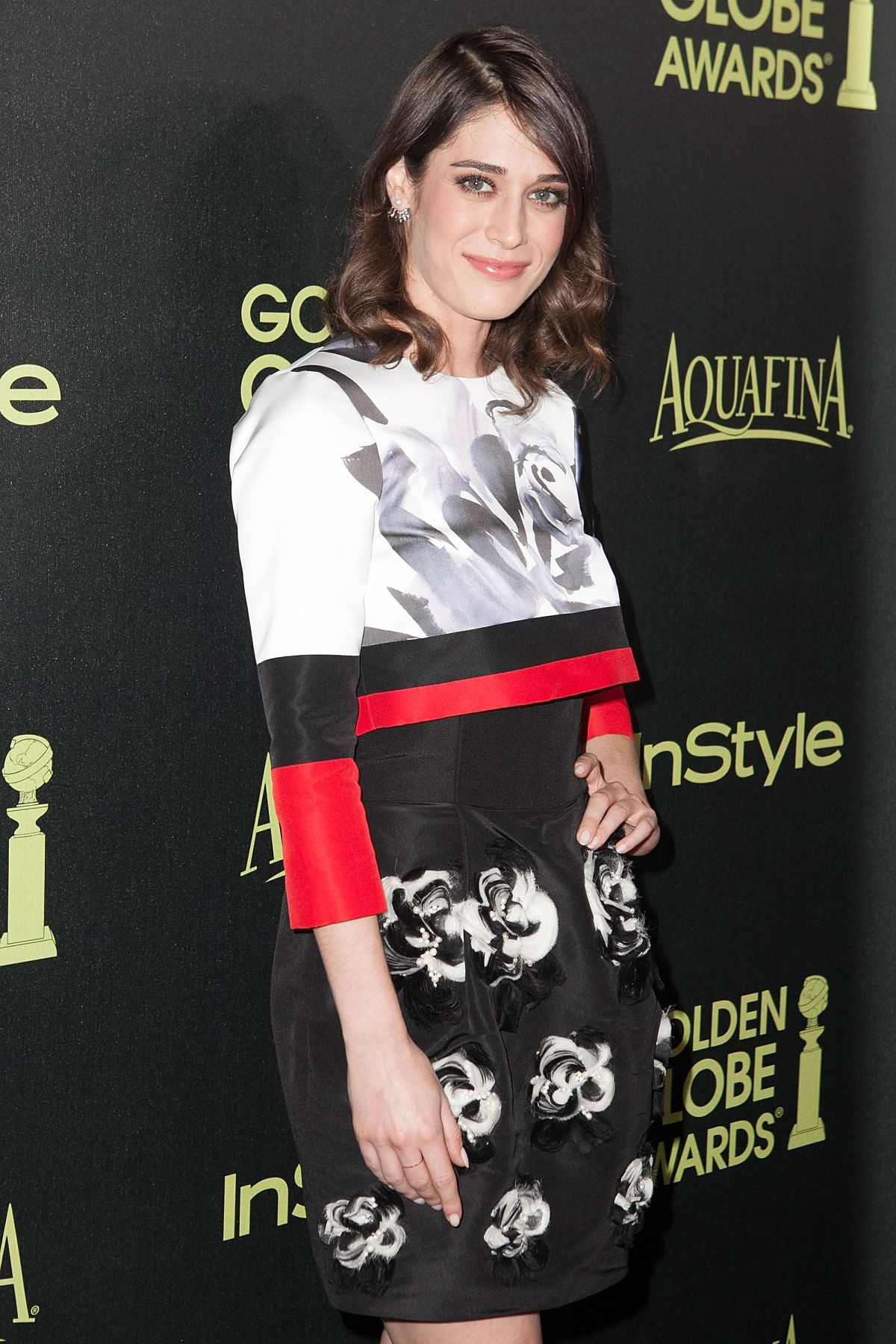 lizzy-caplan-appear-at-hfpa-instyle-celebrate-the-2015-golden-globe-award-season-in-west-hollywood_6