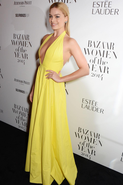 Margot -Robbie- In- Rosie- Assoulin - Harper's -Bazaar -Women -of -the- Year- Awards