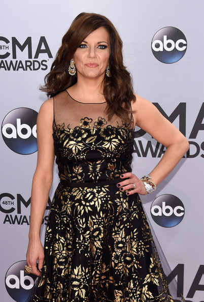 martina_mcbride_2014_cma_awards_m3bk80pX.sized