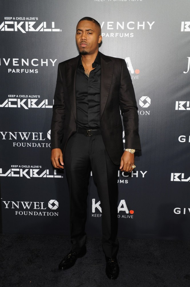 nas-The-2014-Keep-a-Child-Alive-Black-Ball-red-carpet