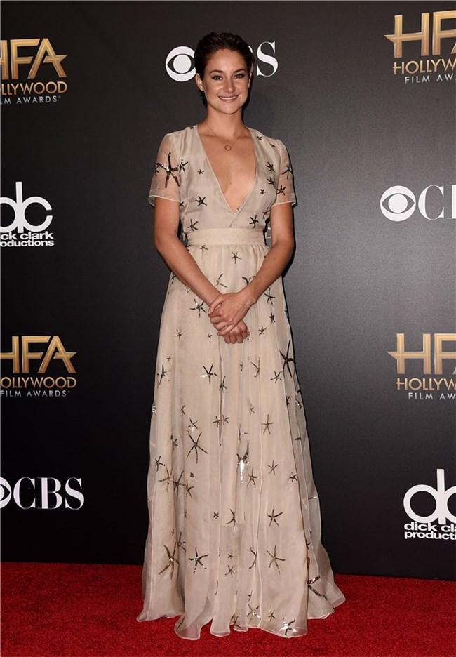 shailene-woodley-valentino-2014-hollywood-film-awards/