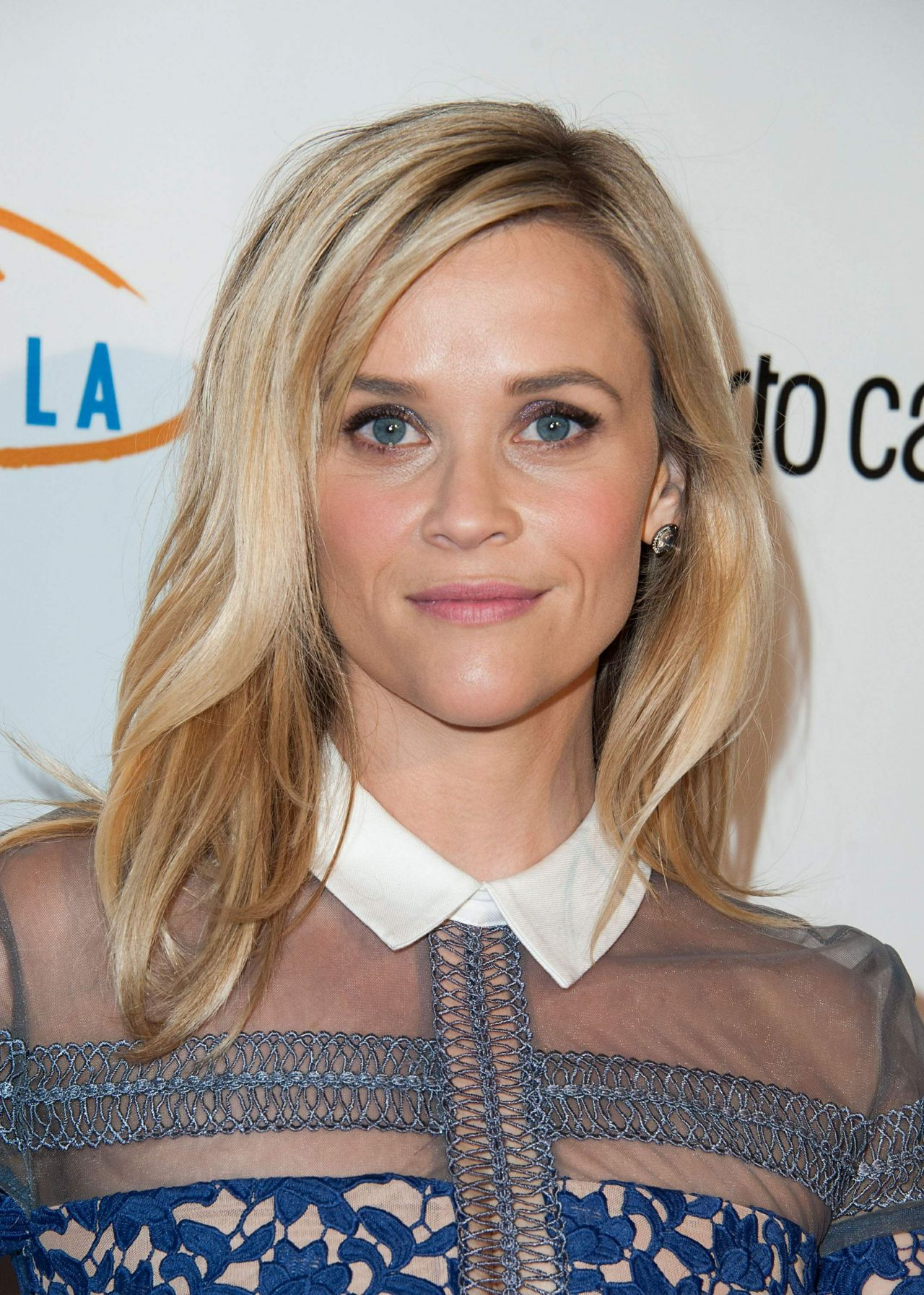 reese-witherspoon-2014-lupus-la-hollywood-bag-ladies-luncheon_6