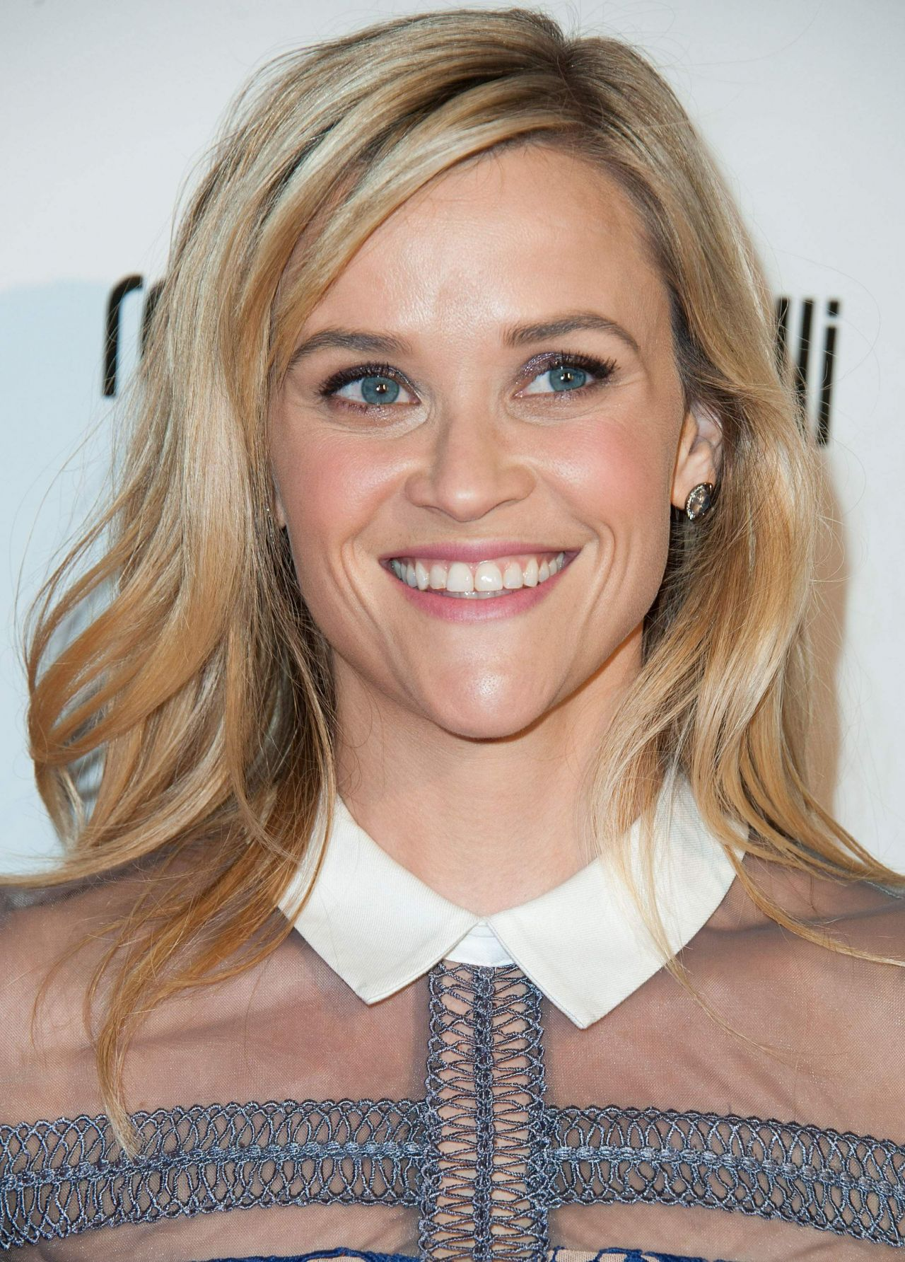 reese-witherspoon-2014-lupus-la-hollywood-bag-ladies-luncheon_8