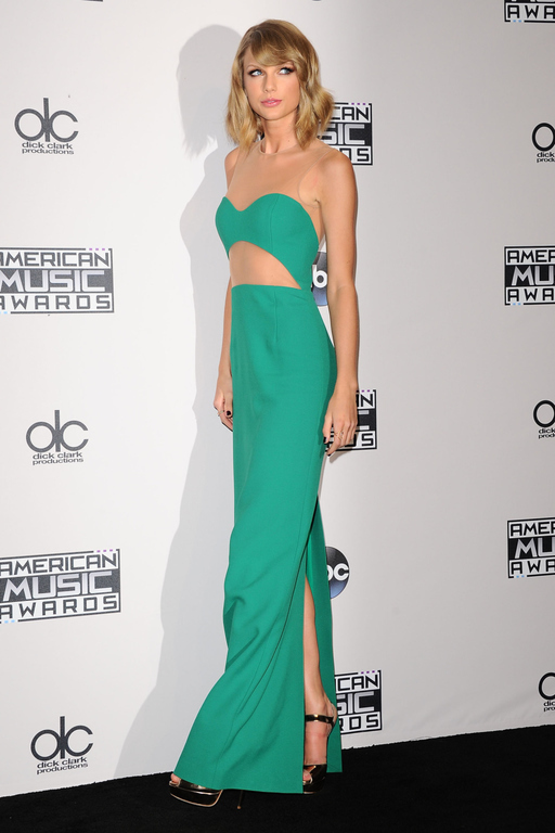 taylor-swift-michael-kors-2014-american-music-awards/