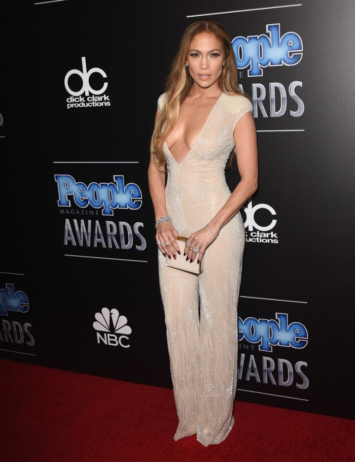 1-Jennifer-Lopezs-People-Magazine-Awards-Naeem-Khan-Spring-2015-Nude-Deep-Plunge-Jumpsuit-700×910