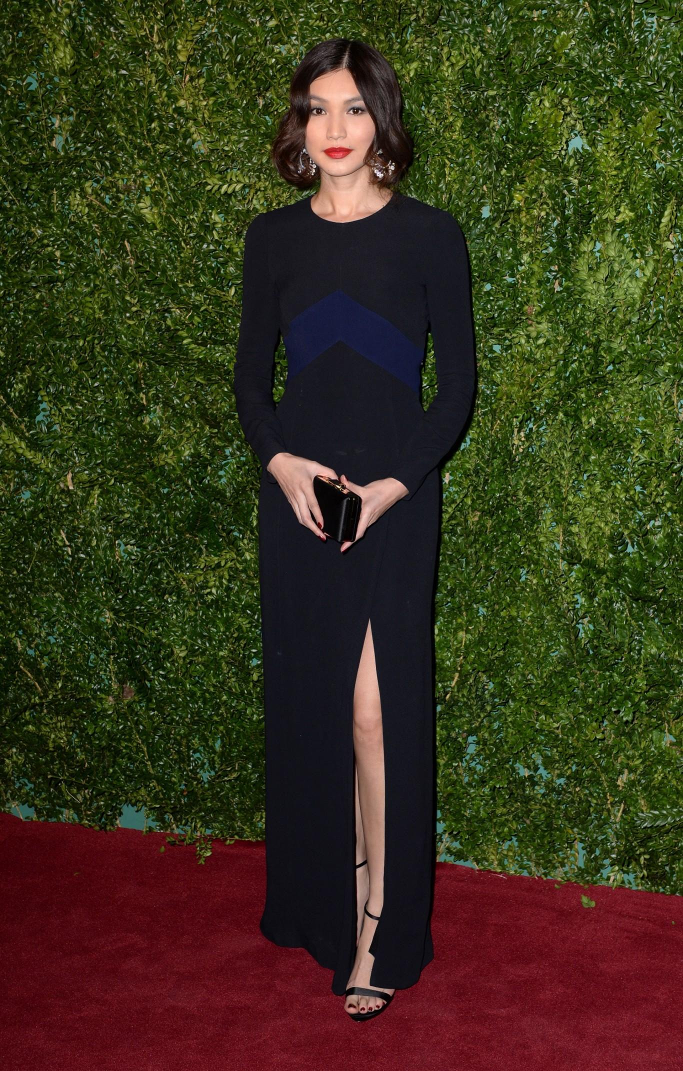 Gemma -Chan-in- a- burberry- dress-2014-london-evening-standard-theatre-awards/
