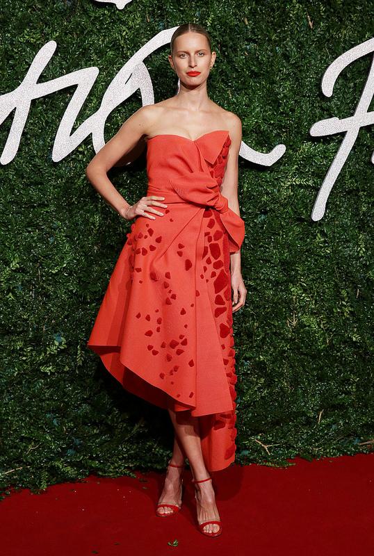 Karolina- Kurkova- -2014-british-fashion-awards