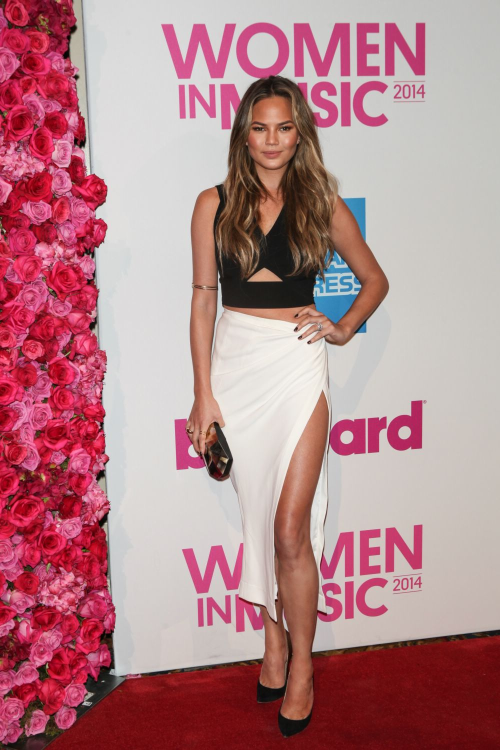 Chrissy-teigen-billboard-women-in-music-luncheon.jpg