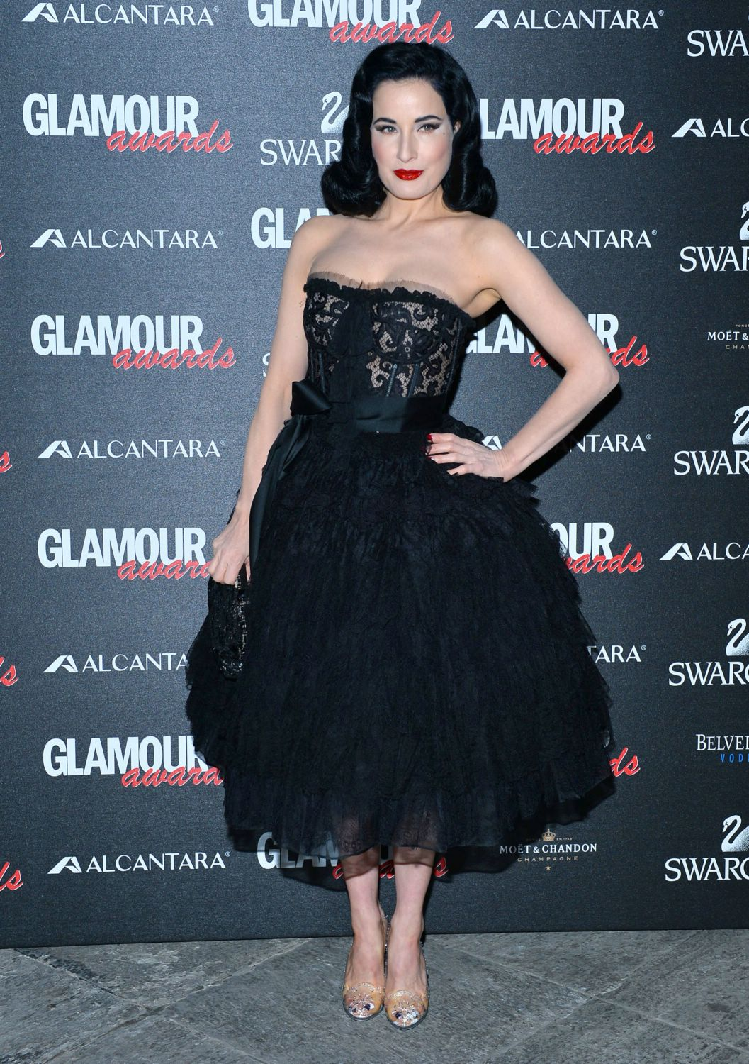 Dita-von-teese-dec-11-glamour-awards03-1