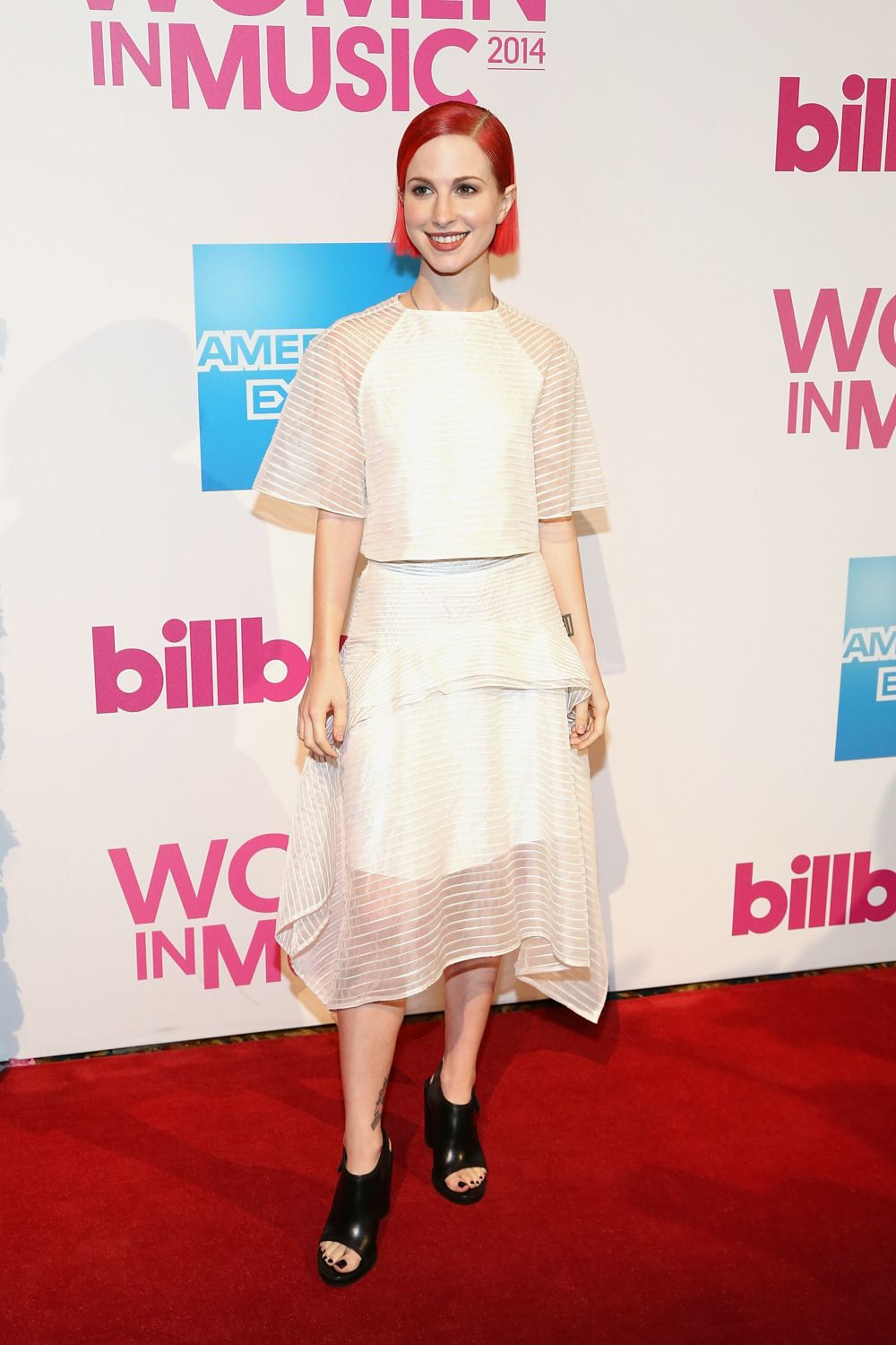 Hayley-williams-billboard-women-in-music-luncheon.jpg