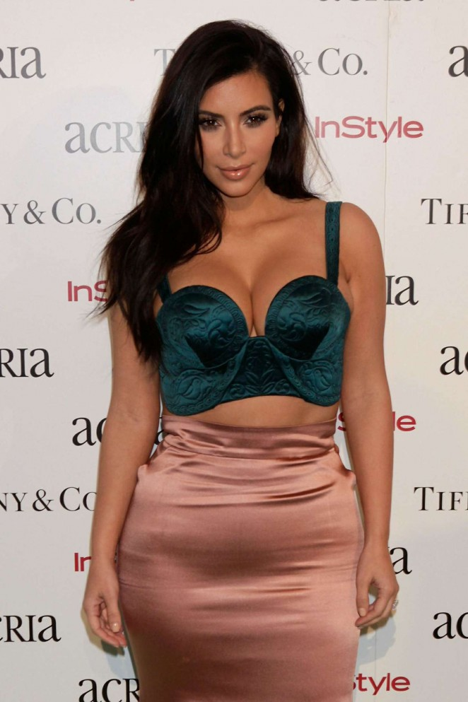 kim-kardashian-ulyana-sergeenko-couture-19th-annual-acria-holiday-dinner/