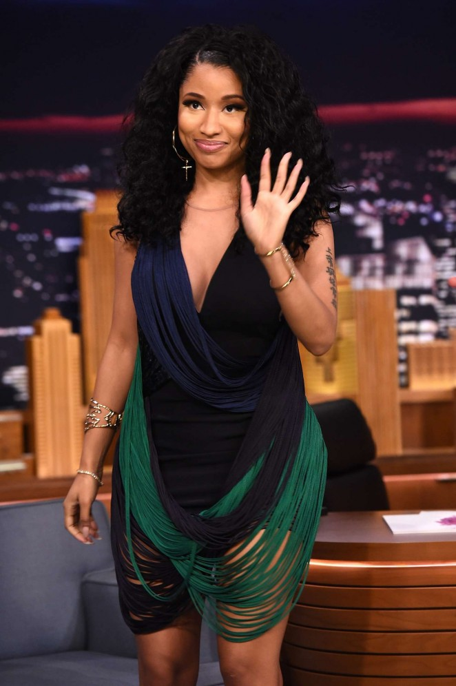 Nicki-Minaj-at-The-Tonight-Show-with-Jimmy-Fallon--12-662x996