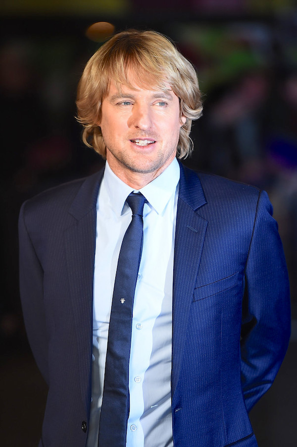 owen-wilson-wears-dior-homme-night-museum-secret-tomb-premiere