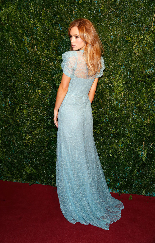 Suki-Waterhouse-60th-London-Evening-Standard-Theatre-Awards-London-2