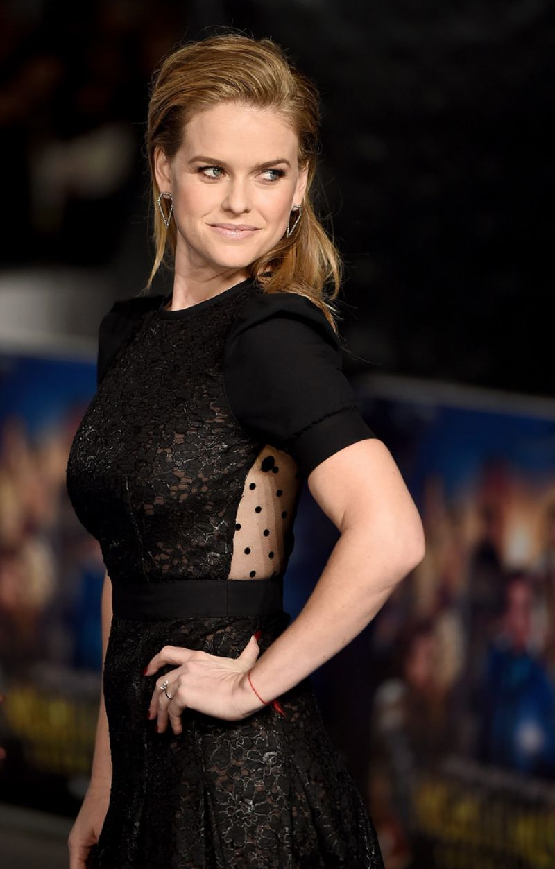 alice-eve-at-night-at-the-museum-secret-of-the-tomb-premiere-in-london_1