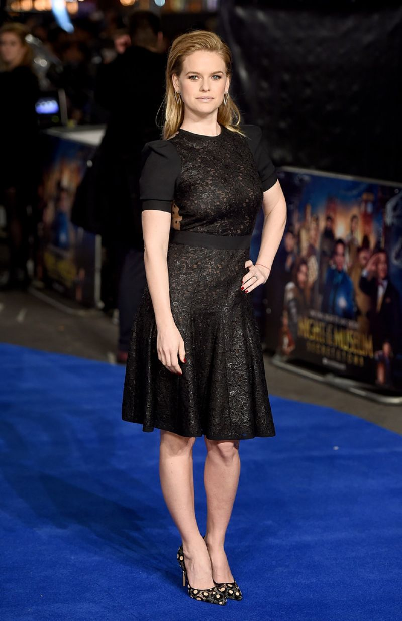 alice-eve-at-night-at-the-museum-secret-of-the-tomb-premiere-in-london_13