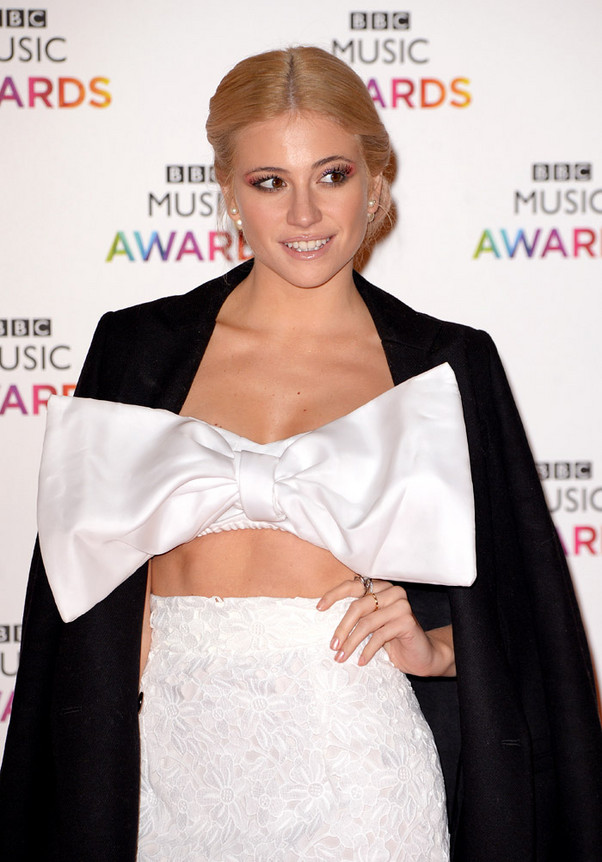 FAMOSOS EN LOS BBC MUSIC AWARDS EN LONDRES