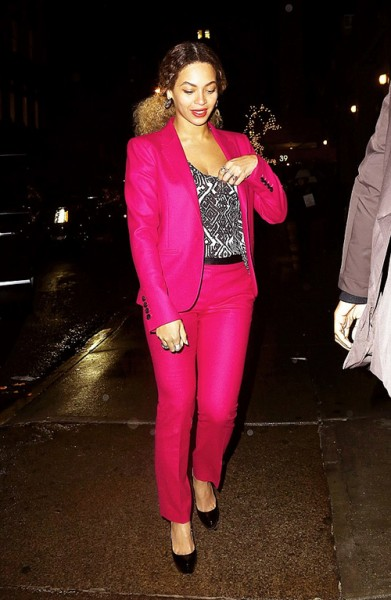 Beyonce -and- Jay- Z -out -for -dinner -at- a -Japanese- restaurant- in -NYC