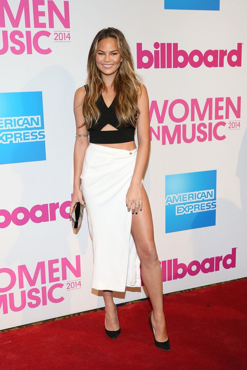 chrissy-teigen-2014-billboard-women-in-music-luncheon-in-new-york-city_4