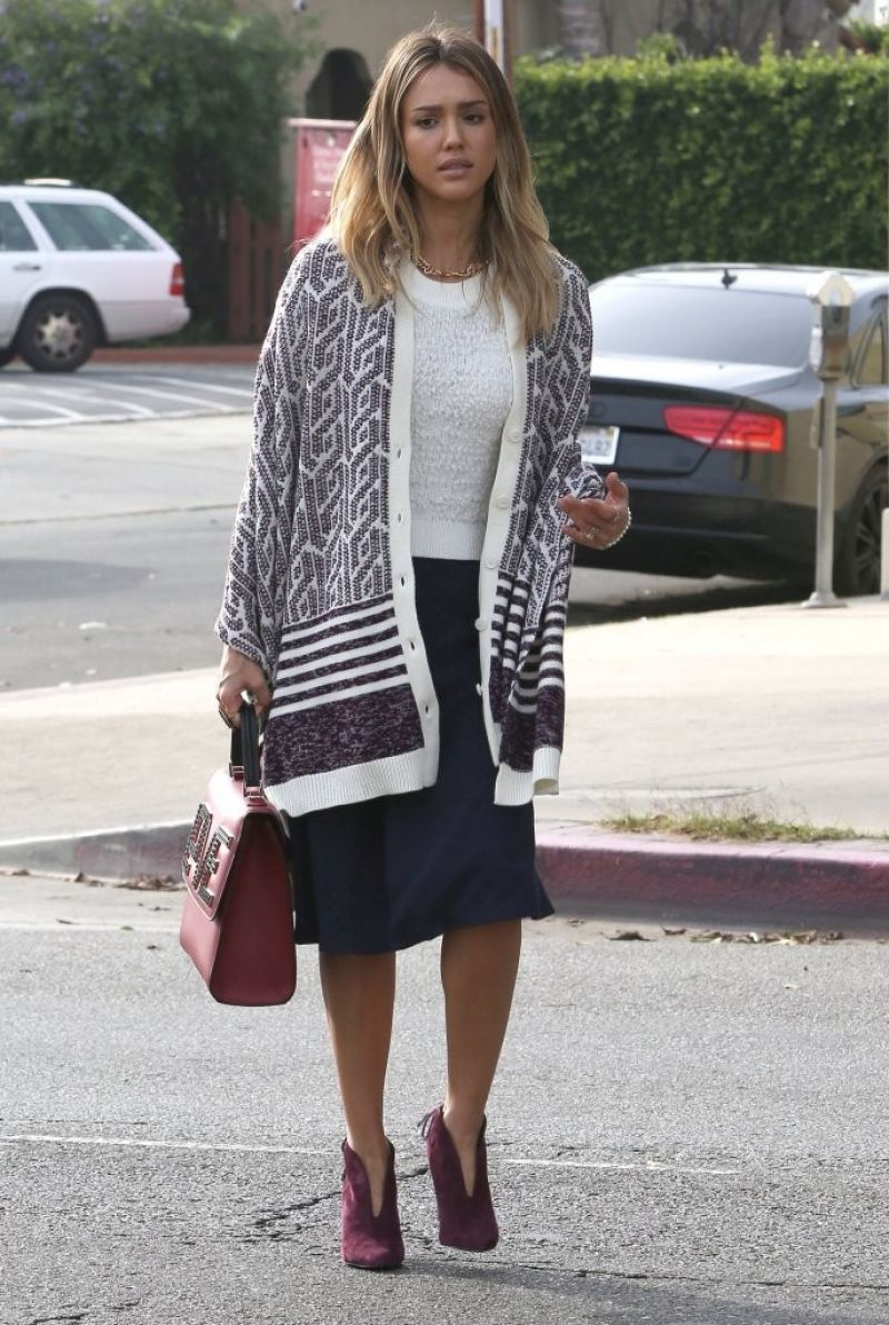 Jessica Alba – Running Errands In Los Angeles – Dec. 2014