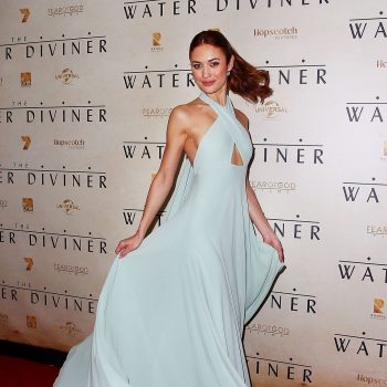 olga-kurylenko-at-the-water-diviner-premiere-in-sydney_9