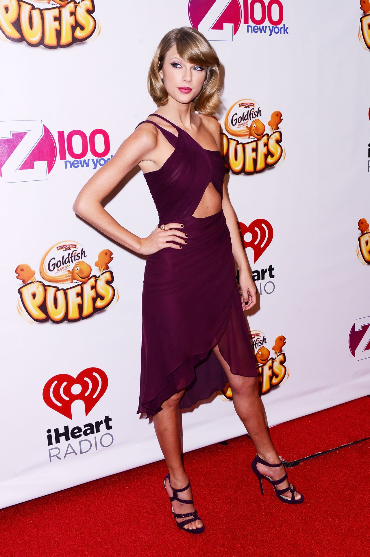 taylor-swift-red-carpet-pics-z100-s-jingle-ball-2014-in-new-york-city_1