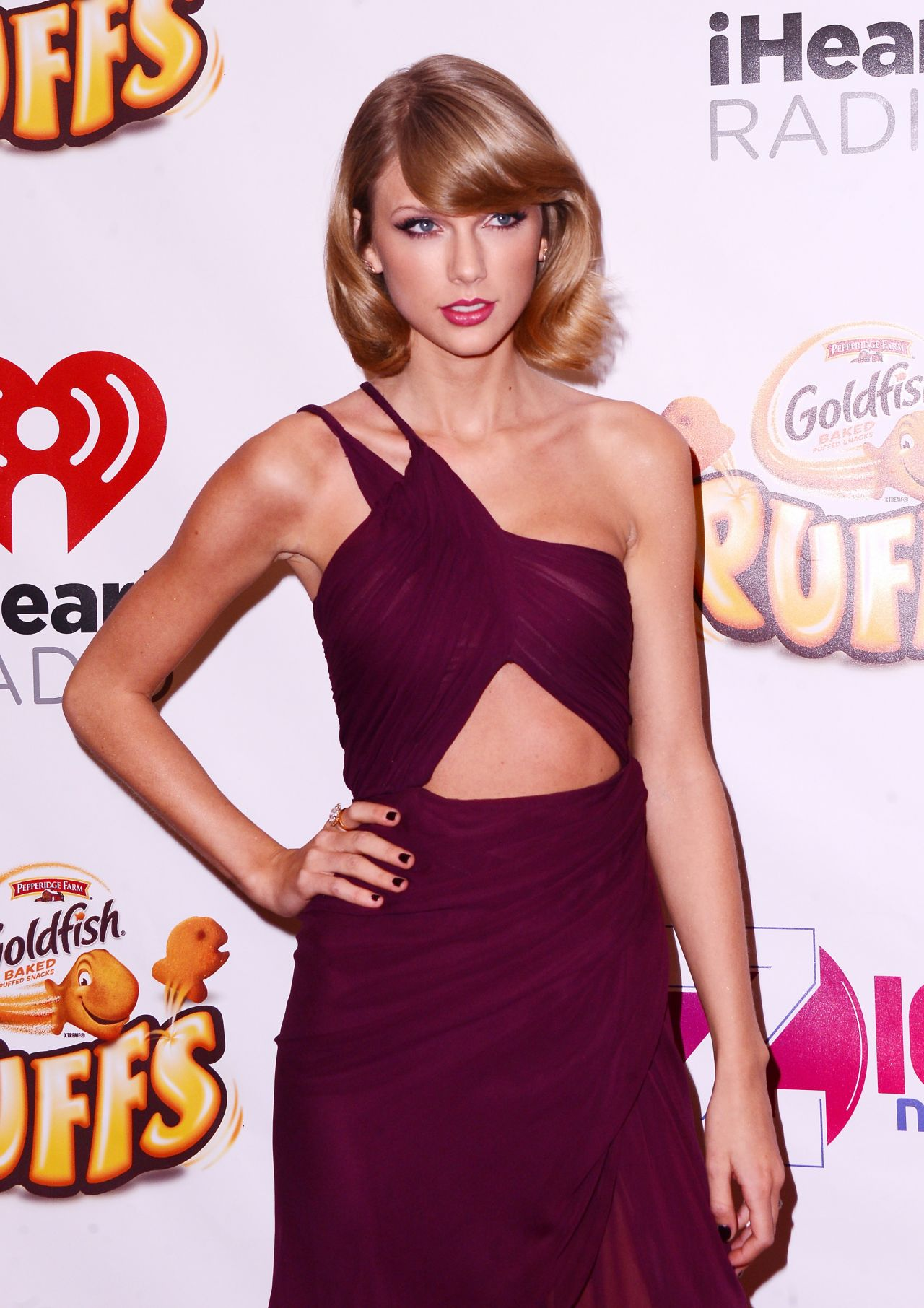 Taylor- Swift - wears- Reem -Acra - 2014 -iHeartRadio- Jingle- Ball