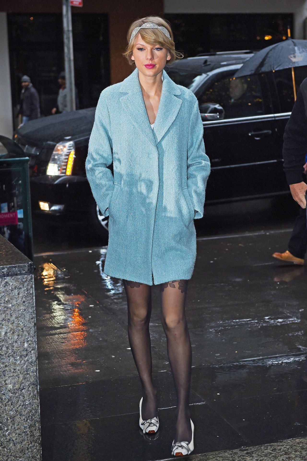 taylor-swift-style-going-to-a-broadway-play-in-new-york-city-december-2014_1