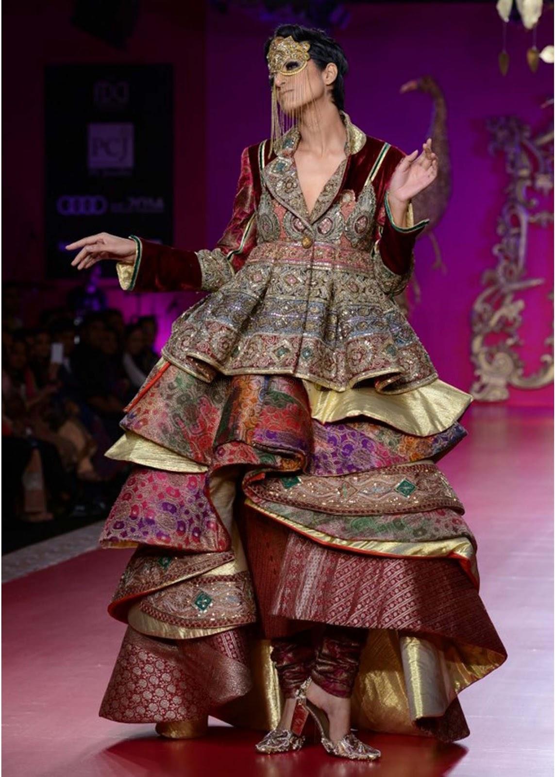 Indian Fashion Designer - Ritu - 273.2KB