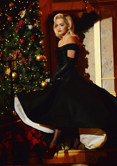 rita-ora-ralph-russo-couture-tnt-christmas-washington-2014/